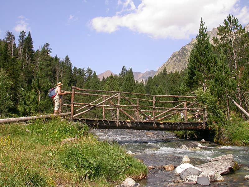 Puente en el Valle de Estos